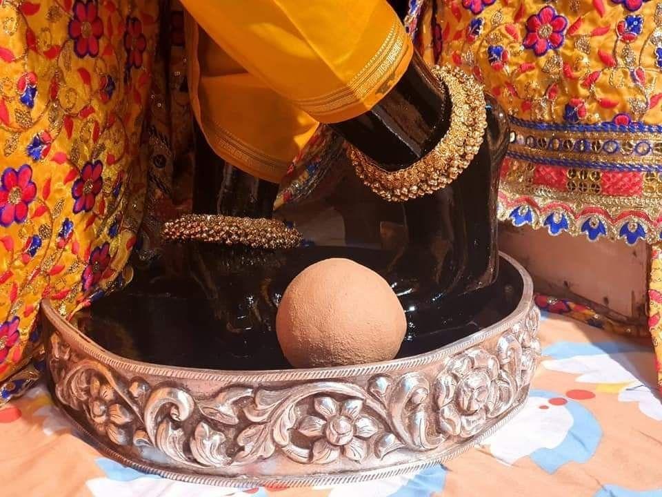 akshaya tithi banke bihari charan darshan